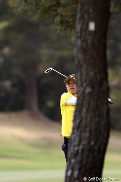 2011年 サイバーエージェントレディスゴルフトーナメント 2日目 井芹美保子 初日トップも苦しいゴルフで2日目は15位タイ