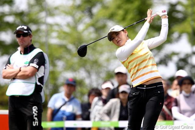 2011年 サイバーエージェントレディスゴルフトーナメント 2日目 横峯さくら ショットの調子?風の影響?