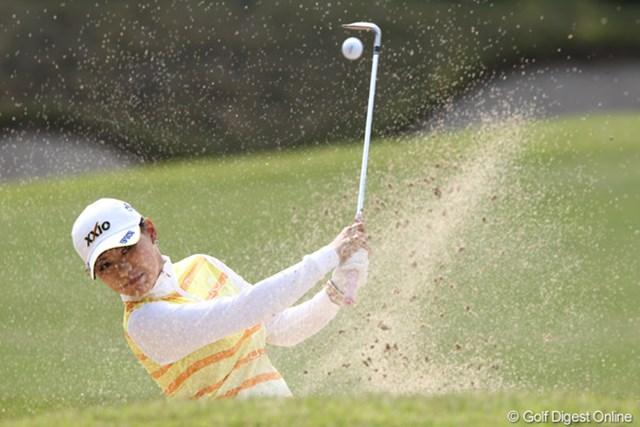 2011年 サイバーエージェントレディスゴルフトーナメント 2日目 横峯さくら トップとは3打差の3位タイ、気になるのはトップの2人と明日の天気です