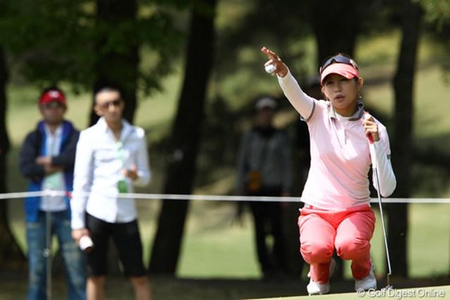 2011年 サイバーエージェントレディスゴルフトーナメント 2日目 金田久美子 「風が読めない、パターが入らない、ショットも良くない」ですって。まだ明日があるよ
