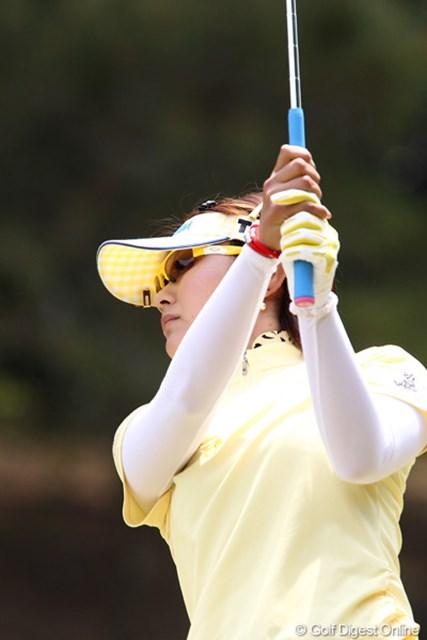 2011年 サイバーエージェントレディスゴルフトーナメント 2日目 藤田幸希 安定したゴルフでトップと3打差の3位タイ