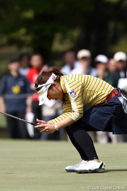 2011年 サイバーエージェントレディスゴルフトーナメント 2日目 有村智恵 パットが決まらず、20位タイです