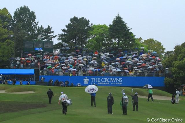 本当に今日はすごい雨でした。本日のギャラリー数9,903人