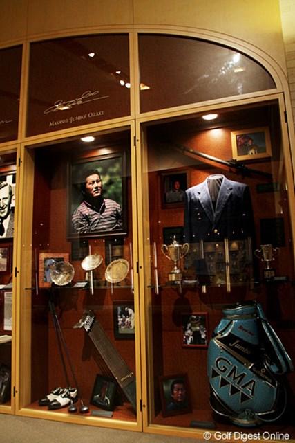 フロリダ州セントオーガスティンにあるゴルフ殿堂には、尾崎将司にまつわる品々が展示されている
