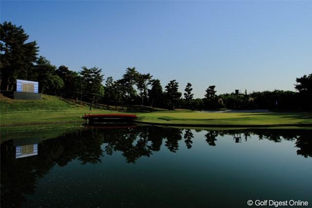 2011年 日本プロゴルフ選手権大会 日清カップヌードル杯 最終日 17番グリーン 誰もいない17番グリーンを撮影。この朝の静けさにドラマが待っていた。