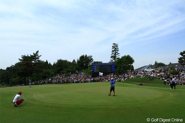 2011年 日本プロゴルフ選手権大会 日清カップヌードル杯 最終日 18番グリーン 最終組・・・ではなく、石川遼選手の組。本日ギャラリー8765名