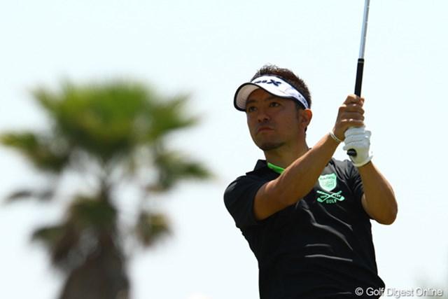 地元浜松出身の河瀬賢司が、自己ベストの8アンダー「64」で首位タイ