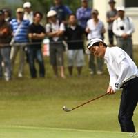 フェアウェイウッドでアプローチ。風のゴルフを知っている・・・そんなプレーぶりです。首位と3打差2位タイです 2011年 とおとうみ浜松オープン 3日目 W.リャン