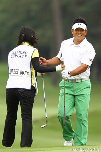 2011年 ダイヤモンドカップゴルフ 初日 増田伸洋 研修生時代にお世話になった、ここ千葉CC梅郷へ恩返しが出来るか・・・。ちなみに昨日は自転車通勤してました。
