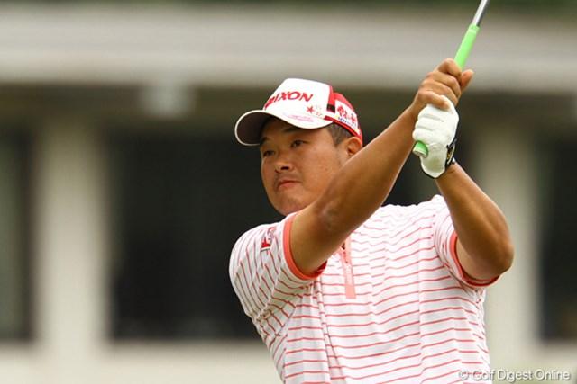 2011年 ダイヤモンドカップゴルフ 初日 小田孔明 今シーズン、ピンク色のウェアを着た時は、オーバーパーを叩いていないそうです。最終日までずっとピンク???
