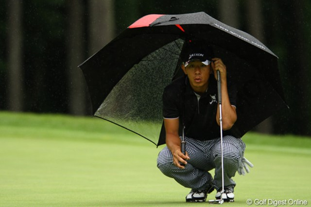 2011年 ダイヤモンドカップゴルフ 2日目 上井邦浩 前半インで5バーディを奪い、一時は首位に立った上井邦浩だったが…