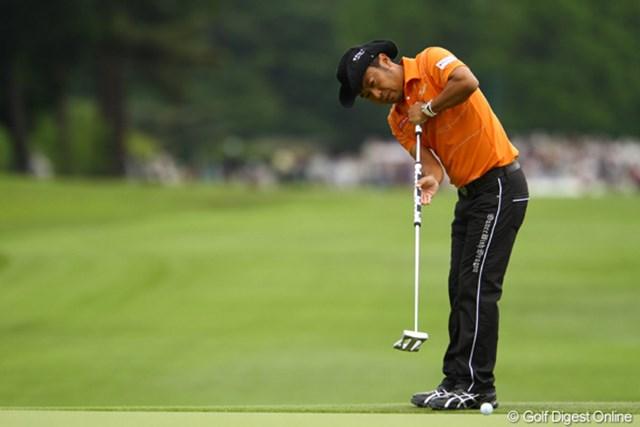 2011年 ダイヤモンドカップゴルフ 2日目 片山晋呉 やはり厳しいセッティングのコースになればなるほど強さを発揮しそうですね。5つスコアを伸ばし10位タイです