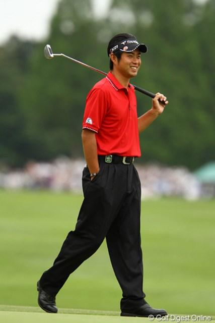 2011年 ダイヤモンドカップゴルフ 2日目 池田勇太 「運がない」と一言コメント。でも1番ホールでは超ロングパットが入ってバーディ!思わず苦笑いでした