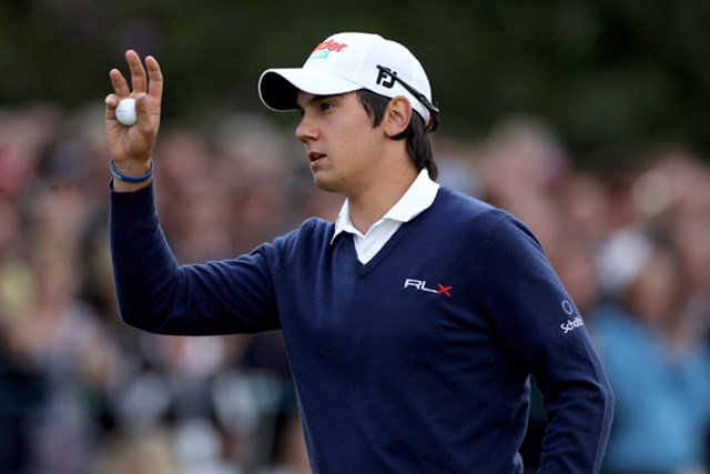 若干18歳のマナッセロが貫禄のゴルフを見せて首位に並んだ。(Warren Little/Getty Images)