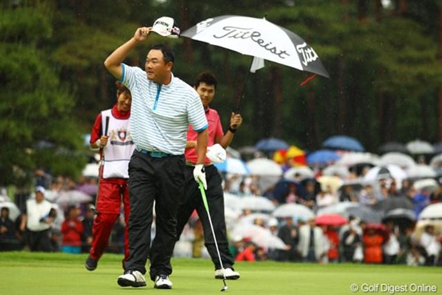 2011年 ダイヤモンドカップゴルフ 最終日 小田孔明 昨季はパッティングのイップスにかかっていた小田孔明。「日本シリーズ出場も早く決められてよかった」