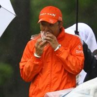 スタート直後にパンを食べてます。もしかして寝坊?大物の予感です。4位タイフィニッシュ。 2011年 ダイヤモンドカップゴルフ 最終日 河瀬賢史