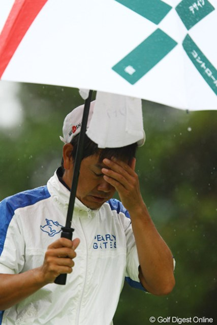 前半は優勝争いを演じていたのですが、12番のボギーをきっかけにいきなり豹変。「ゴルフが梅雨入り」してしまったそうです。7位タイフィニッシュです。