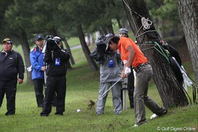 後半にショットが崩れ初日に大きく出遅れた石川遼。リーダーズボードで下にいるのは2人だけ