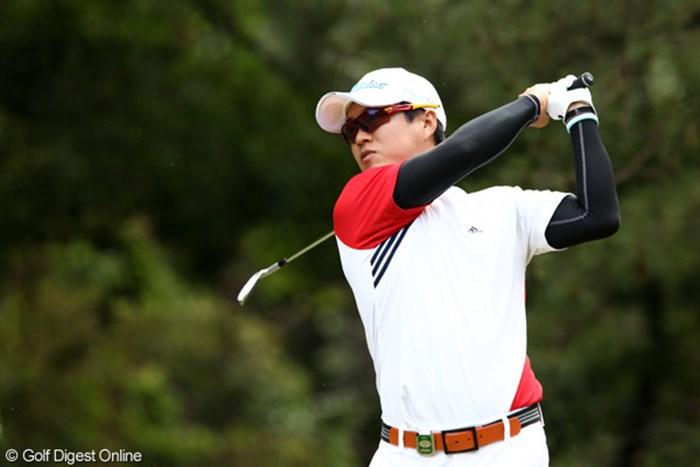 2位に浮上したH.T.キム。韓国人選手はタフなセッティングを歓迎する選手も多い。 2011年 日本ゴルフツアー選手権 Citibank Cup Shishido Hills 2日目 H.T.キム