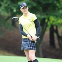 ニッキーちゃん、そんな女子高生みたいな格好されたらかなわんなァ・・・。ドキッとするやんか110位T 2011年 サントリーレディスオープンゴルフトーナメント 3日目 ニッキー・キャンベル