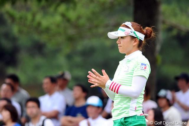 2011年 サントリーレディスオープンゴルフトーナメント 3日目 有村智恵 疲れも無くプレー内容も充実。今季初優勝への期待が高まる有村智恵