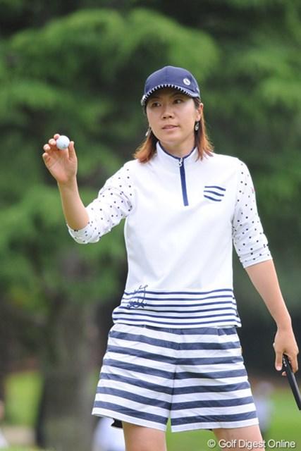 2011年 サントリーレディスオープンゴルフトーナメント 3日目 イ・チヒ 全英出場争いで優位に立つ李知姫だが、後続の激しい追い上げに予断を許さない展開が続く