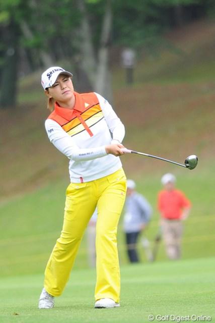 2011年 サントリーレディスオープンゴルフトーナメント 最終日 横峯さくら 以前、某女子プロが「さくらのプレーって、ホントにバケモンだよ!」と言ってましたが、昨日、今日とそれを実感させられましたワ。恐ろしい子や・・・。