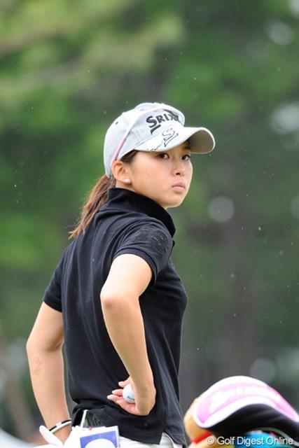 2011年 サントリーレディスオープンゴルフトーナメント 最終日 森美穂 ミホちゃんゴメンね、ベストアマは難しいなんて書いて。通算イーブンできっちりベストアマですワ。ちなみに、帽子を被ってない方がカワイイという珍しいゴルファーです。