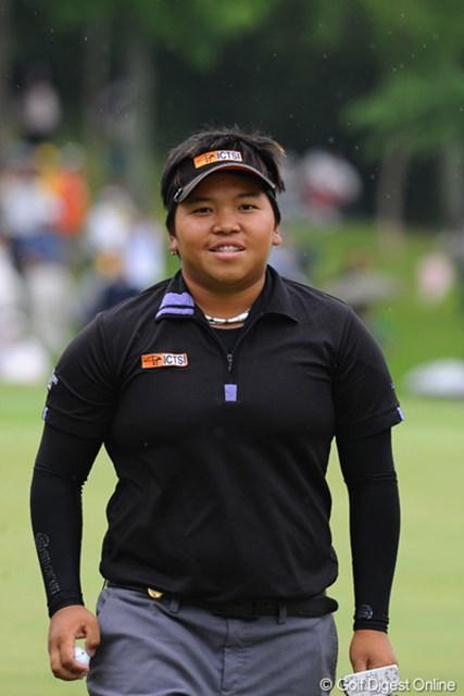 2011年 サントリーレディスオープンゴルフトーナメント 最終日 チヒロ・イケダ ベストアマです。ギャラリーから「チヒロ~、ガンバレ~」の声援もありました。日本人って優しいやろ!