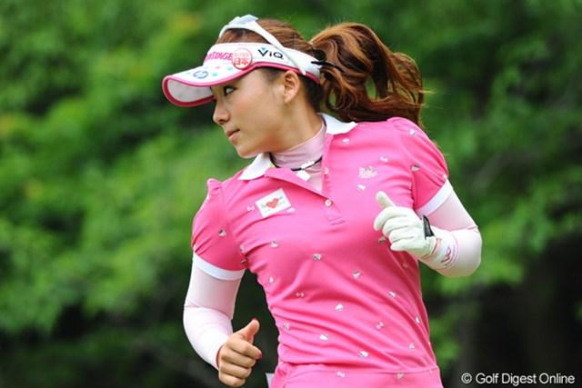 2011年 サントリーレディスオープンゴルフトーナメント 最終日 有村智恵 アンソンが走ればチエゾーも走る?とにかく後半まったく伸びず、あげくに18番のバンカーで・・・。師匠のリベンジを期待してます!!