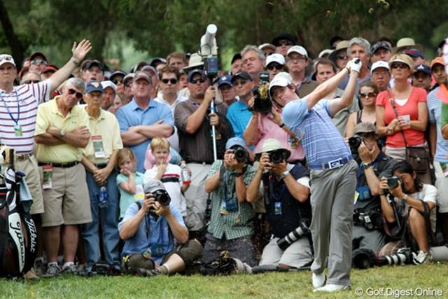 2011年 全米オープン 2日目 ロリー・マキロイ 小さな子供たちからも注目を集める22歳が単独首位に立った