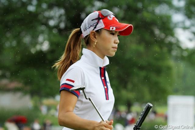 2011年 ウェグマンズLPGAチャンピオンシップ 最終日 上田桃子 最終日、晴れの予報にも関わらず雨が降った。苦しいゴルフをしている選手には涙雨か…