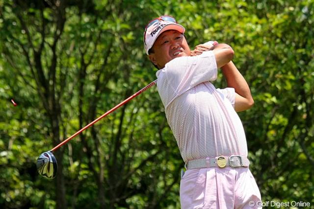 2011年 トータルエネルギーCUP PGAフィランスロピーシニアトーナメント 倉本昌弘 これがほんとの怪我の功名?で4バーディの2位タイにつけた。