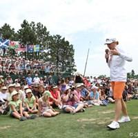 ジュニアレッスン会で大勢のジュニアの前で話しをする 2011年 全米女子オープン事前情報 アニカ・ソレンスタム