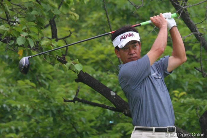 最終日を単独首位で迎える佐藤剛平、普段通りのゴルフが出来れば優勝も近い? 2011年 トータルエネルギーCUP PGAフィランスロピーシニアトーナメント 2日目 佐藤剛平