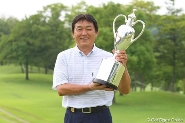 シニアツアーデビュー3年目にして、自身20年ぶりのツアー優勝を手にした羽川豊