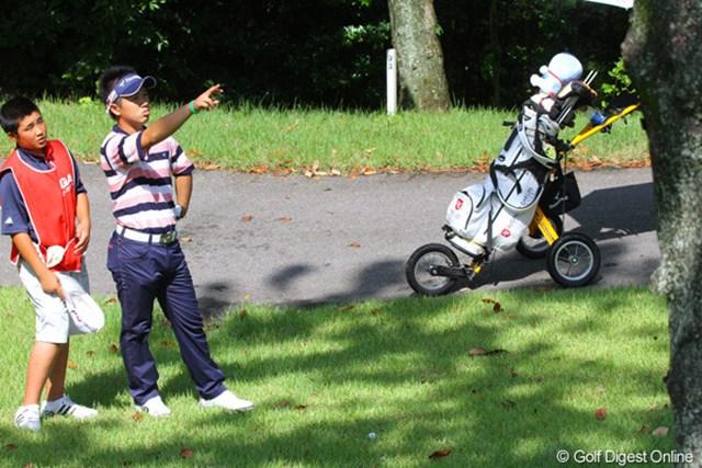 2011年 日本アマチュアゴルフ選手権競技 4日目 伊藤誠道 中学1年生のキャディとトラブル脱出ルートを探す伊藤誠道