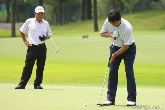 2011年 トータルエネルギーCUP PGAフィランスロピーシニアトーナメント 最終日 羽川豊 4年前から使用している長尺パター。これに替えてイップスが治った