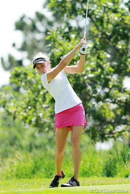 2011年 全米女子オープン 2日目 ライアン・オトゥール ピンクのスカートが緑の芝に良く映えます