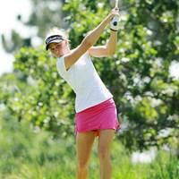 ピンクのスカートが緑の芝に良く映えます 2011年 全米女子オープン 2日目 ライアン・オトゥール