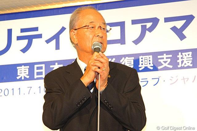 2011年 東日本大震災復興支援 PGAチャリティプロアマゴルフ大会 松井功PGA会長 会の進行役はもちろん松井功PGA会長。マイクパフォーマンスは完璧です