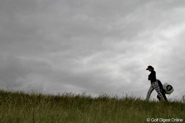 2011年 全英オープン事前情報 曇り空 重く垂れ込めた雲の下、強風が吹き荒れた練習日。明日の本戦からは晴れの予報