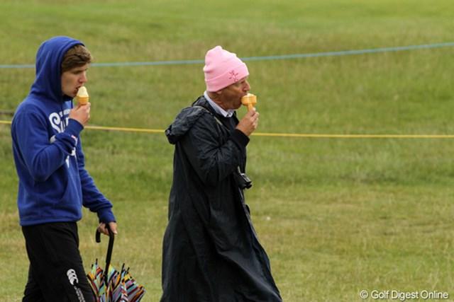 2011年 全英オープン 初日 アイスクリーム 寒くても、アイスクリームは人気