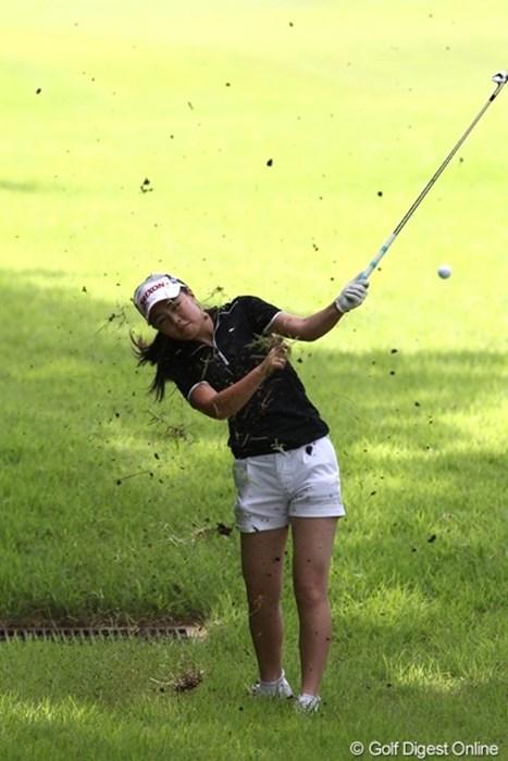 中学3年生の恵ちゃん、今日はout.inともにパーの72 2011年 スタンレーレディスゴルフトーナメント 初日 高橋恵
