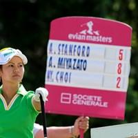 同組のアンジェラ・スタンフォードと共にスコアを伸ばして2位タイに浮上した宮里藍 2011年 エビアンマスターズ 2日目 宮里藍