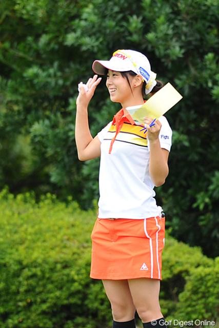 2011年 国内女子ツアー プロテスト2日目 森美穂 応援に訪れた仲間に向かって笑顔を見せる瞬間もあったが・・・