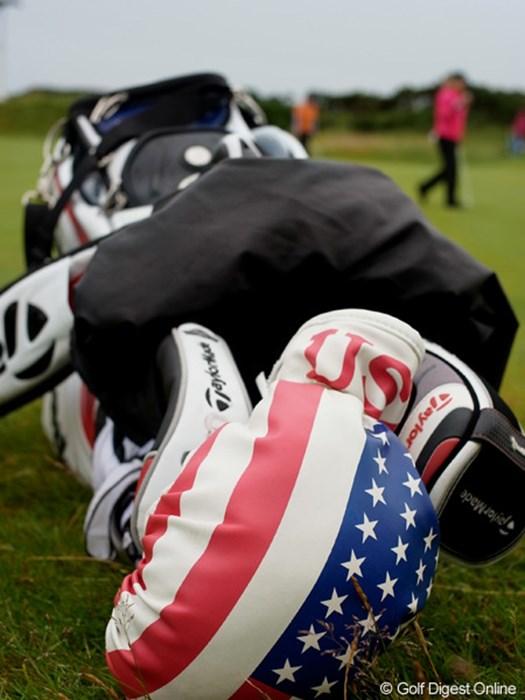 ナタリー・ガルビスのヘッドカバーは星条旗。今年の優勝者はどこの国の選手だろうか 2011年 全英リコー女子オープン 初日 ナタリー・ガルビスのヘッドカバー