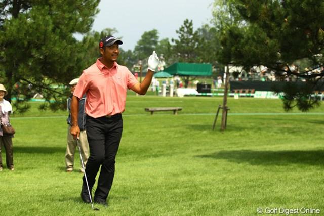 2011年 サン・クロレラ クラシック 2日目 井上忠久 あまりゴルフの調子は良くないけど、丁寧なゴルフが功を奏しているようです。ノーボギーのラウンドで5つスコアを伸ばし、8アンダー単独3位です。
