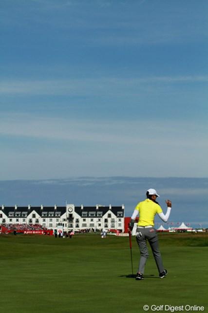 2011年 全英リコー女子オープン 2日目 青空 快晴の金曜日、海風が吹いて肌寒かったが、絶好のゴルフ日和となった