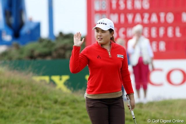 2011年 全英リコー女子オープン 2日目 朴仁妃 この日「64」の好スコアで2位タイに浮上した朴仁妃。日本でもおなじみだ